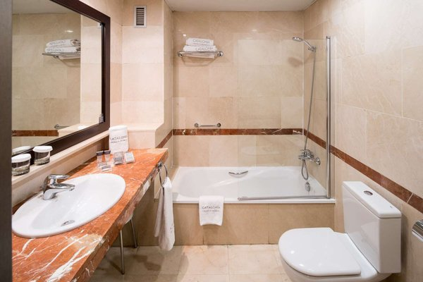Отель Catalonia La Pedrera - фото 11