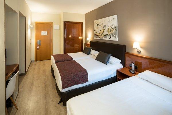 Отель Catalonia Castellnou - фото 1