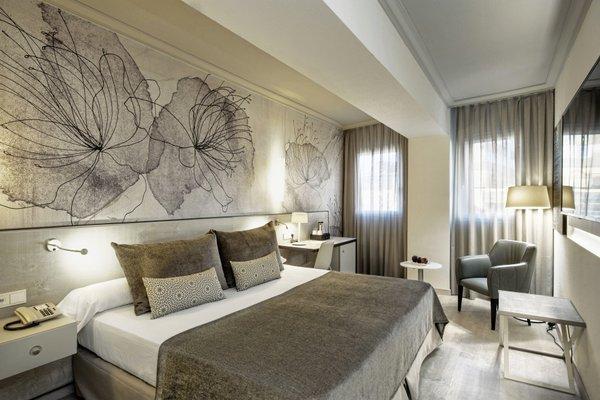 Отель Salles Pere IV - фото 1