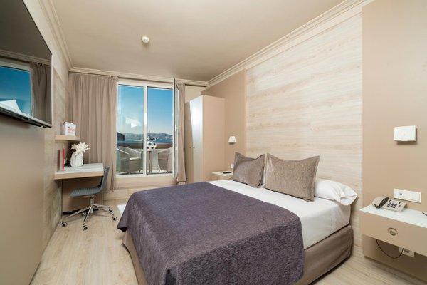 Отель Salles Pere IV - фото 2