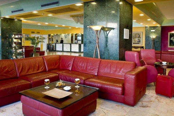 Отель Salles Pere IV - фото 5