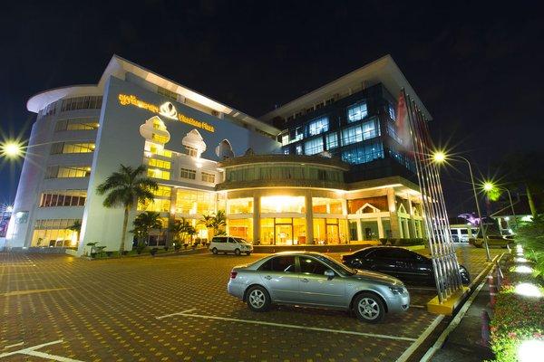Vientiane Plaza Hotel - фото 23