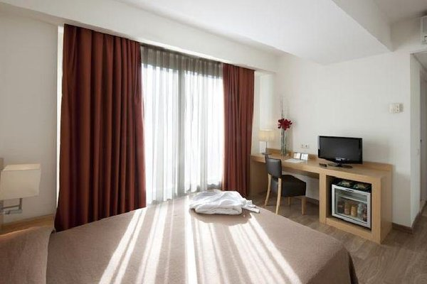 Hotel Sagrada Familia - фото 6