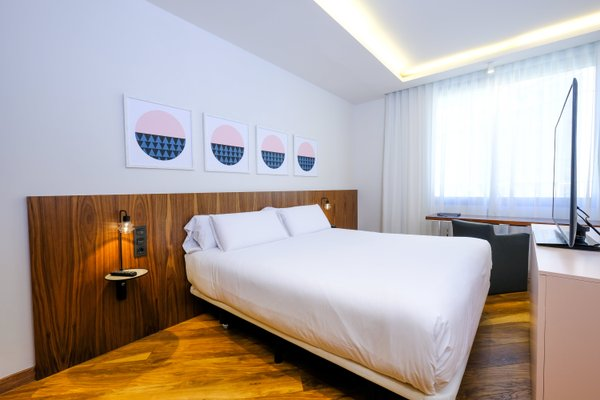 Отель SB Icaria Barcelona - фото 1