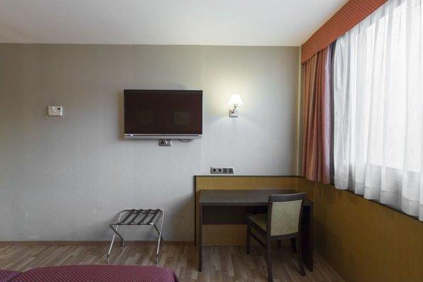 Hotel Ronda Lesseps - фото 4