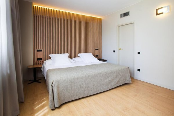 Aparthotel Atenea Barcelona - фото 2