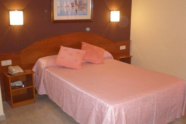 Hotel Cortes - фото 2