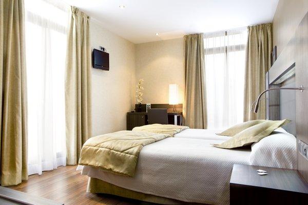 Hotel Oasis - фото 1