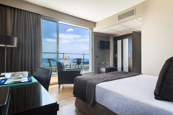 Hotel Front Maritim - фото 1