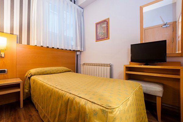 Hotel Lyon - фото 2