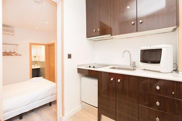AinB Las Ramblas-Colon Apartments - фото 16