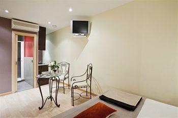 AinB Las Ramblas-Colon Apartments - фото 17