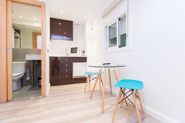 AinB Las Ramblas-Colon Apartments - фото 9