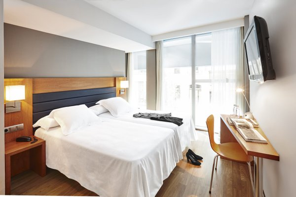 Barcelona Century Hotel - фото 14