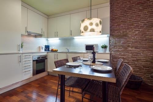 Inside Barcelona Apartments Esparteria - фото 18