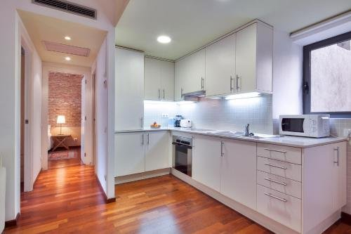 Inside Barcelona Apartments Esparteria - фото 20