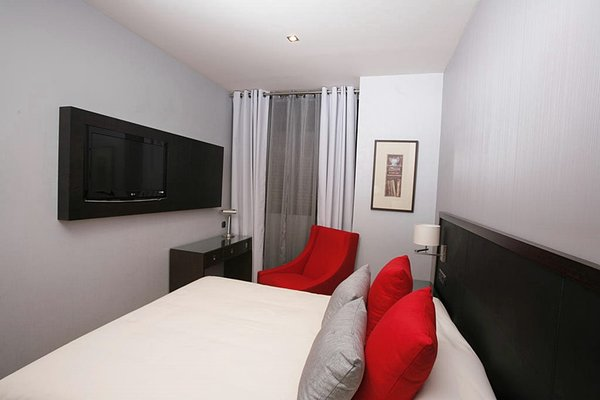 Suites Center Barcelona - фото 4
