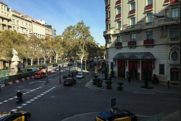 Fisa Rentals Gran Via Apartments - фото 22