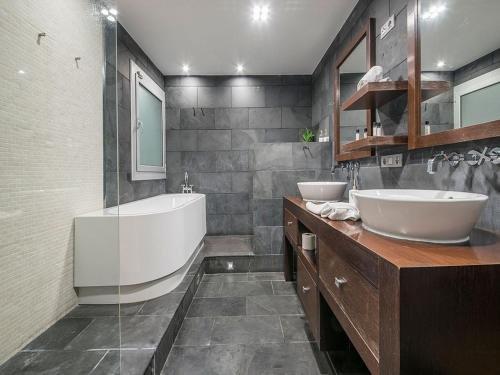 You Stylish City Centre Apartments - фото 10