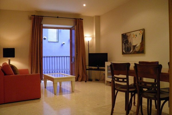Apartaments St. Jordi Comtal - фото 9