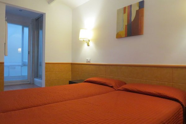 Barcelona City Rooms - фото 3