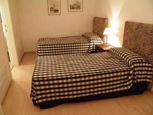 Apartaments Sant Jordi Fontanella - фото 1