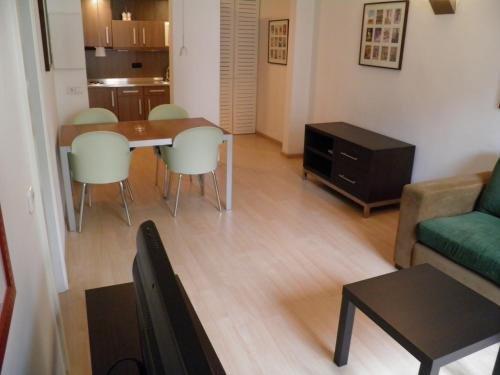 Apartaments Sant Jordi Fontanella - фото 9