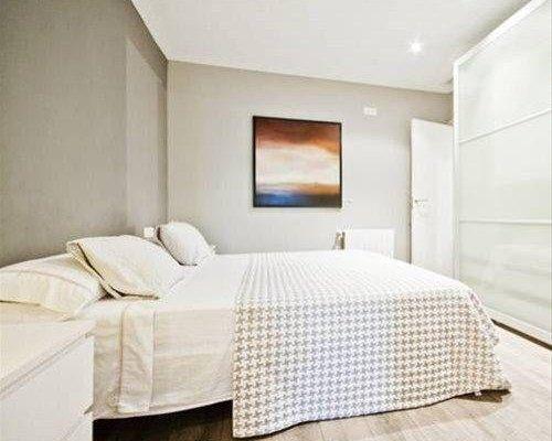 Top Barcelona Apartments Urquinaona - фото 26