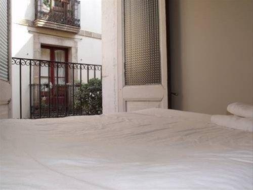 Barcelona Mercaders Apartments - фото 2
