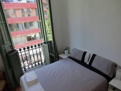 Claris Apartments - фото 4
