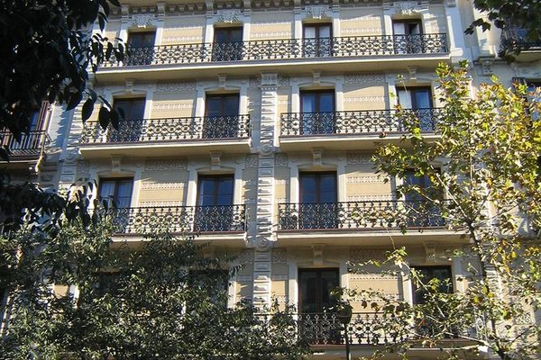 Fuster Apartments - фото 18