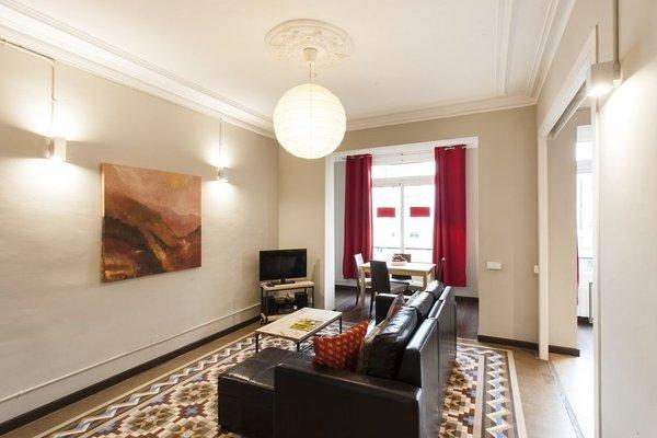 Fuster Apartments - фото 8