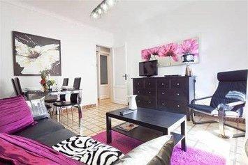 Apartaments Barcelona Poble Sec