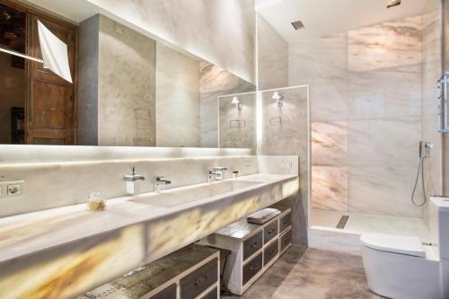 Midtown Luxury Apartments - фото 8