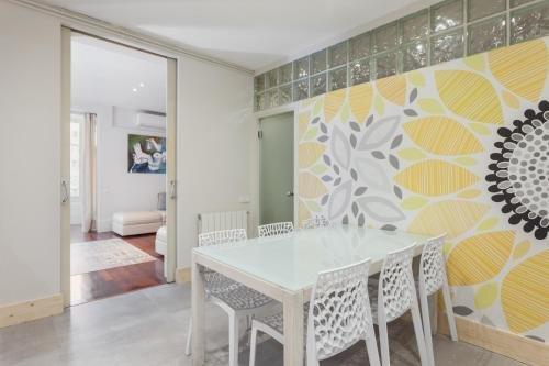 BCN Whynot Granvia Apartments - фото 18