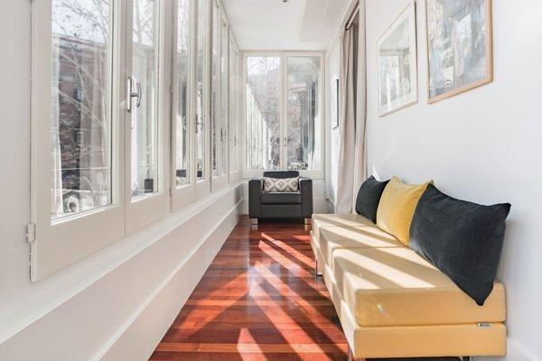 BCN Whynot Granvia Apartments - фото 21