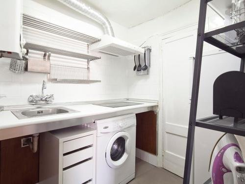 Stay Barcelona Borne Apartment - фото 17