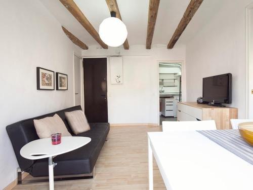 Stay Barcelona Borne Apartment - фото 9