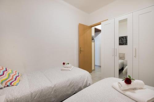 Stay Barcelona Gracia Apartments - фото 2