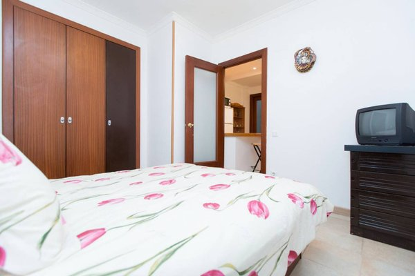 Stay Barcelona Gracia Apartments - фото 9