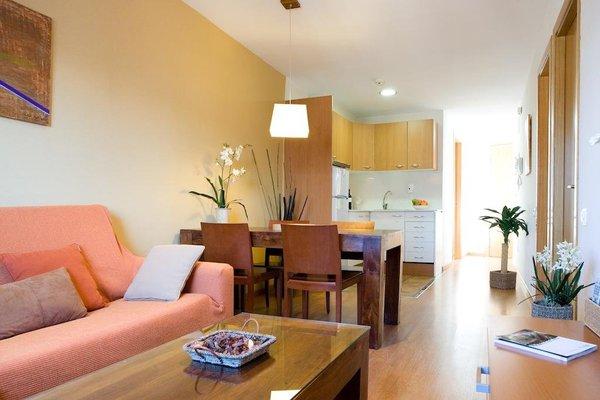 BCN House Apartments - фото 3