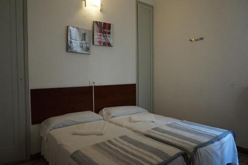 Hostal Sant Carlo - фото 9