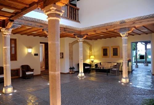 Hotel Puerta de la Luna - фото 5