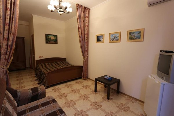 Christian Guest House - фото 1