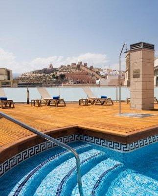 AC Hotel Almeria, a Marriott Lifestyle Hotel - фото 21