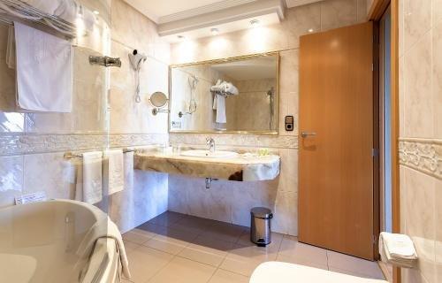 Gran Hotel Almeria - фото 10
