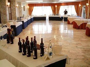 Gran Hotel Almeria - фото 12