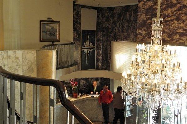 Gran Hotel Almeria - фото 15