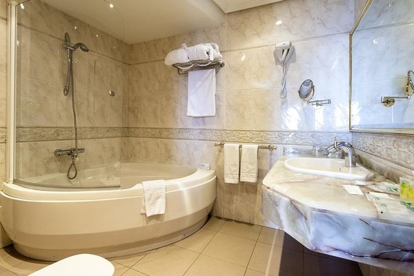 Gran Hotel Almeria - фото 9