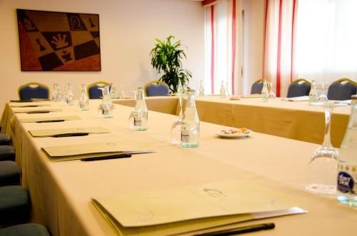 Hotel Castilla Alicante - фото 16